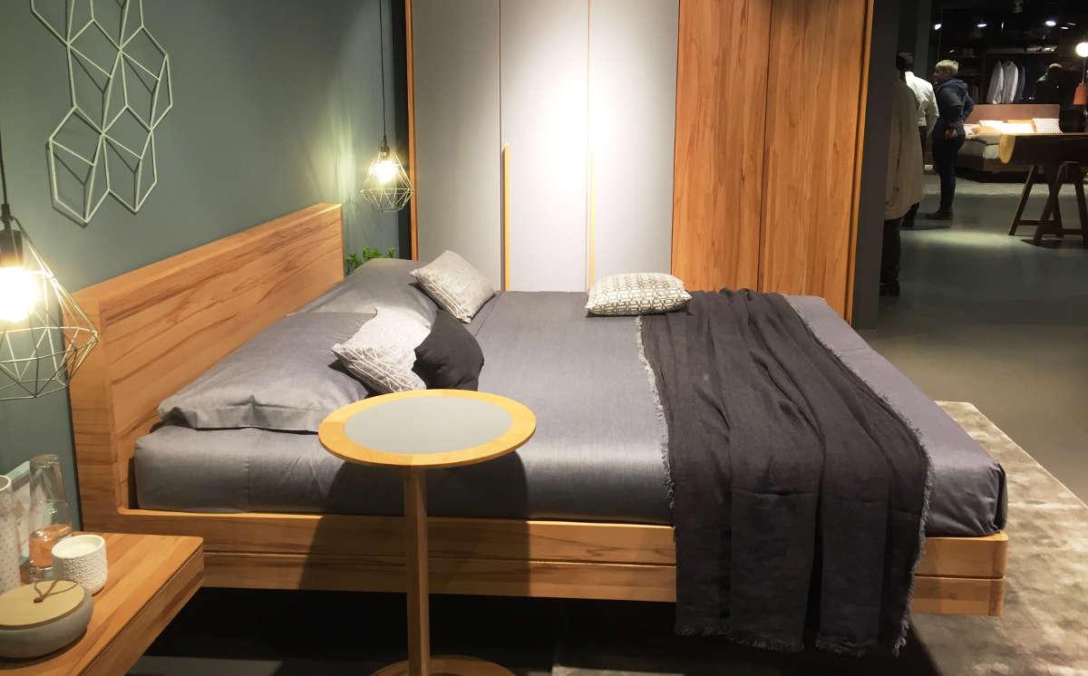 Hartleb imm cologne 2017 for Beistelltisch unter couch schieben
