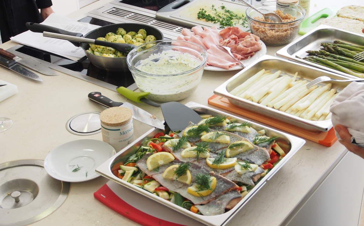 ...damit schließlich die fertig gekochten Speisen angerichtet werden können...